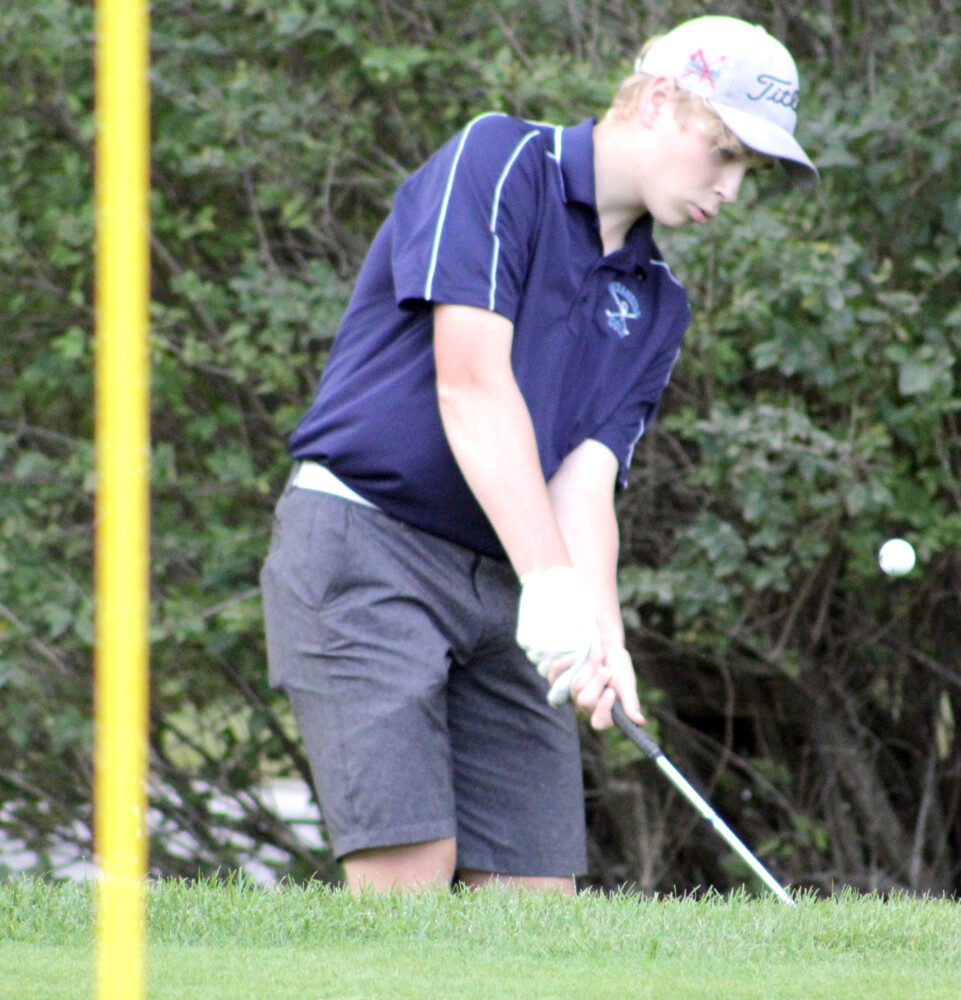 Charting courses: Mariners, Panthers, Windjammers, Lions, 'Stangs keep teeing it up